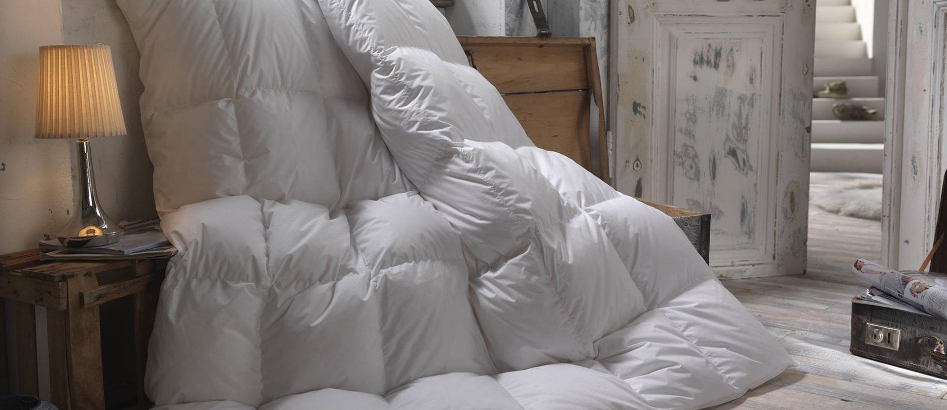 camera da letto con piumino